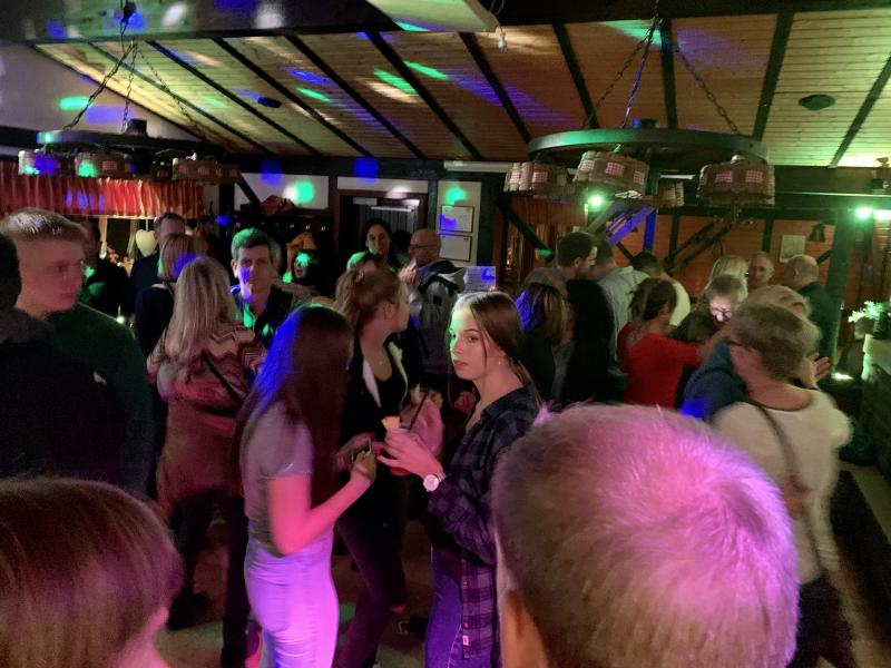 2019-10-26-skiclub-wissen-saison-opening-party-brandeck-huette-wissen-pic23